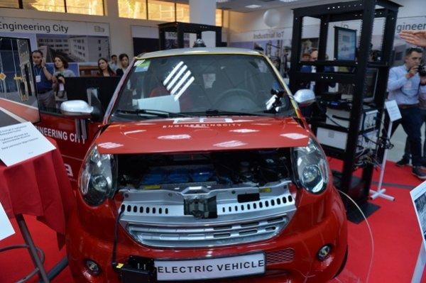 В Ереване презентовали первый электромобиль армянской сборки