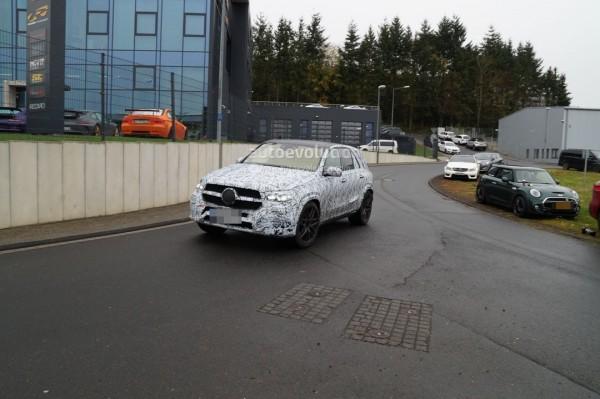 Обновленный внедорожник Mercedes-AMG GLE 63 2019 заметили на тестах