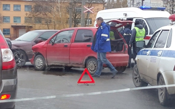 BMW и Matiz не поделили дорогу на Пушкина в Брянске