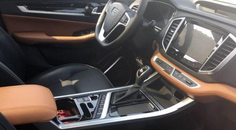 Geely Emgrand X7 нового поколения выкатили на дорожные тесты