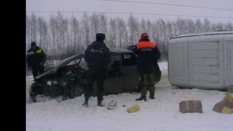 Четыре человека пострадали в ДТП «ВАЗ 2110» и «Газели» в Саратовской области