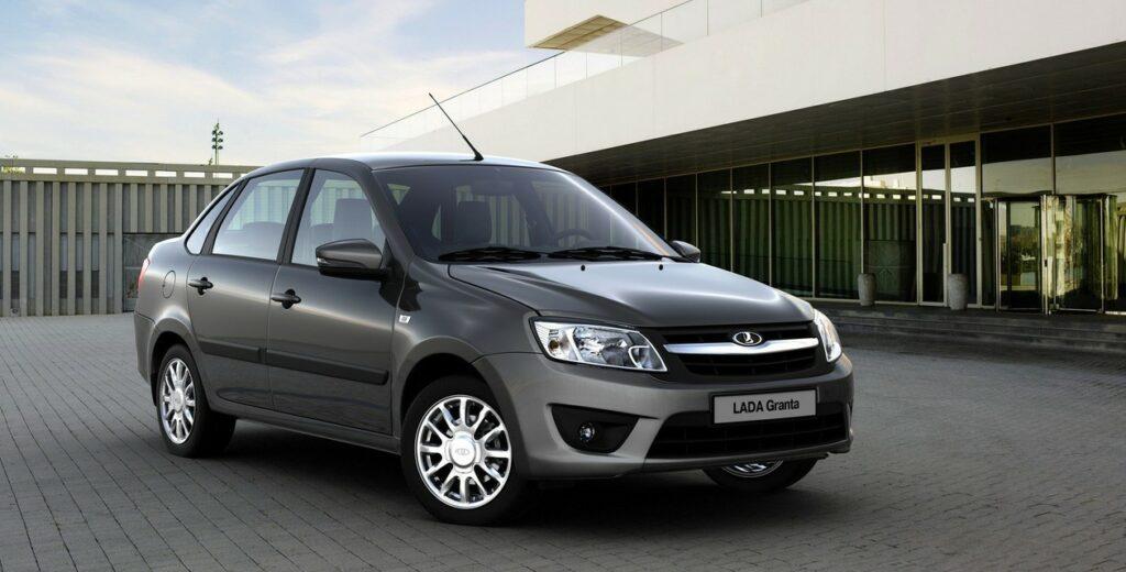 Четыре модели LADA вошли в ТОП-10 автомобильного рынка РФ