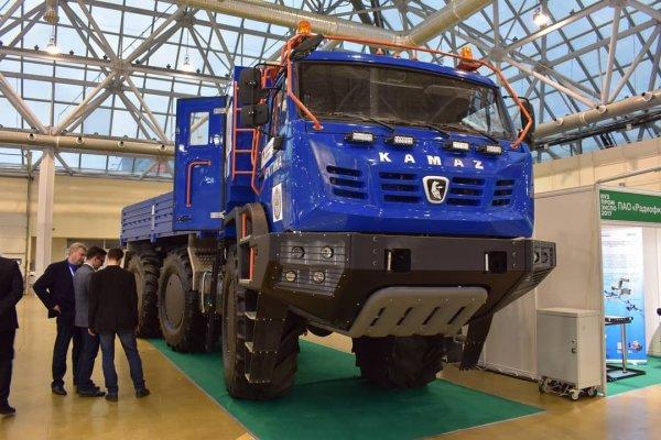 «КамАЗ» до конца 2018 года представит новую модель арктического вездехода 8х8