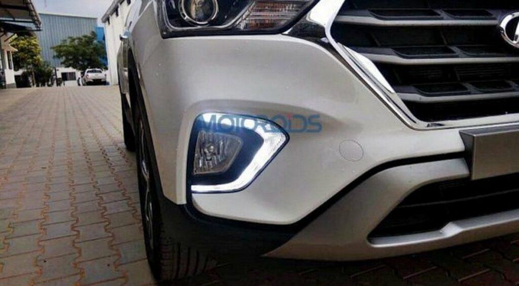 Обновленный кроссовер Hyundai Creta показали на фото без камуфляжа