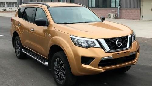 Nissan Terra получил трехрядную версию с дизельным двигателем