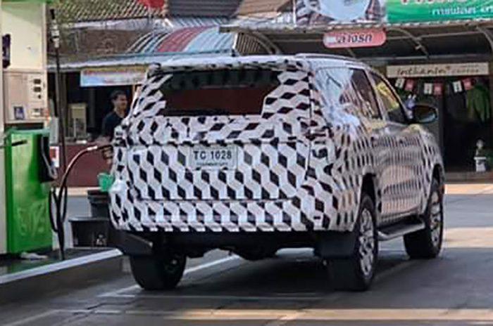 В Сети появились первые изображения нового Toyota Fortuner