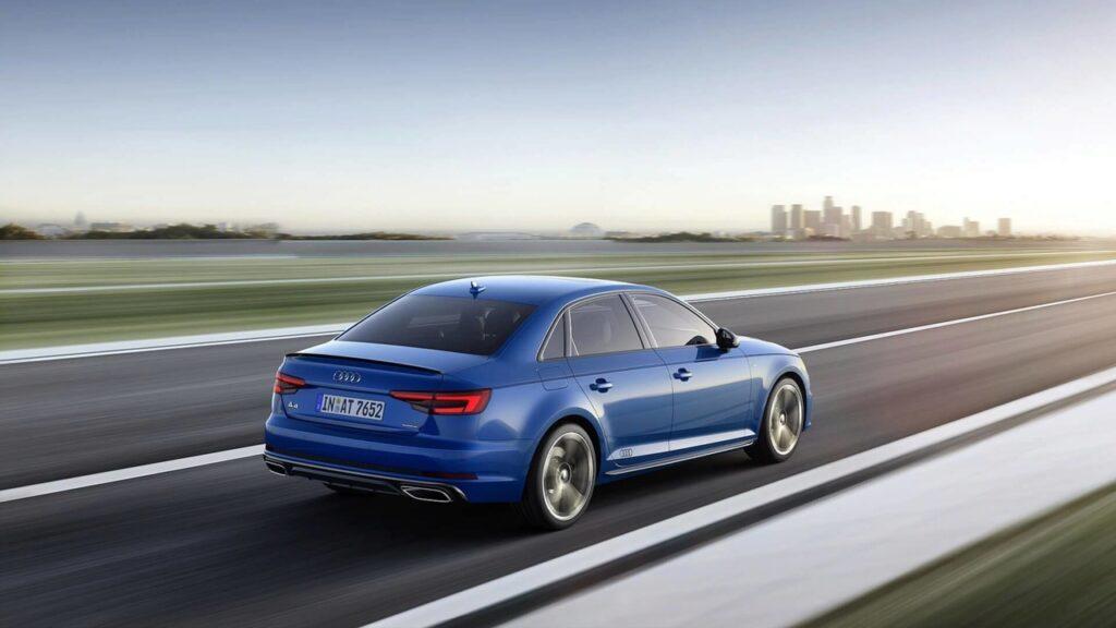 Audi презентовала седан A4 и универсал A4 Avant 2019 модельного года