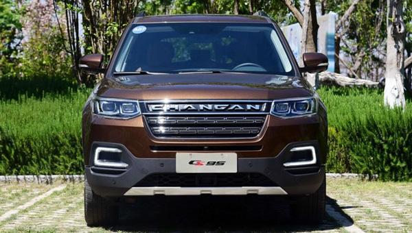 Флагманский внедорожник Changan CS95 2018 добрался до дилеров