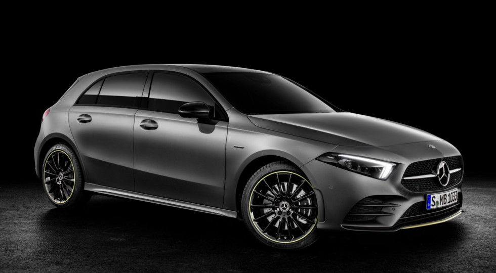 Хэтчбек Mercedes A-Class новой генерации представлен официально