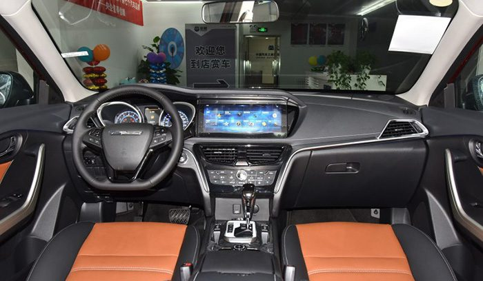 Nissan и Dongfeng обновили кроссовер Venucia T90