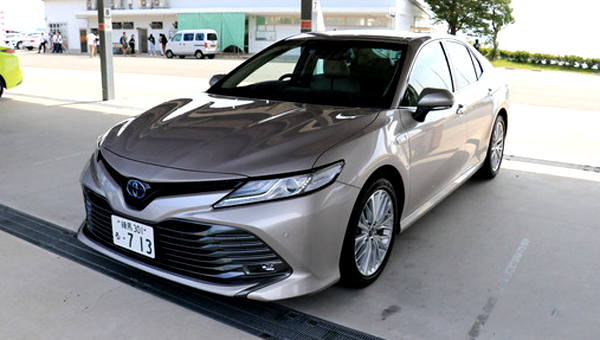 Бизнес-седан Toyota Camry 2018 получил четыре комплектации