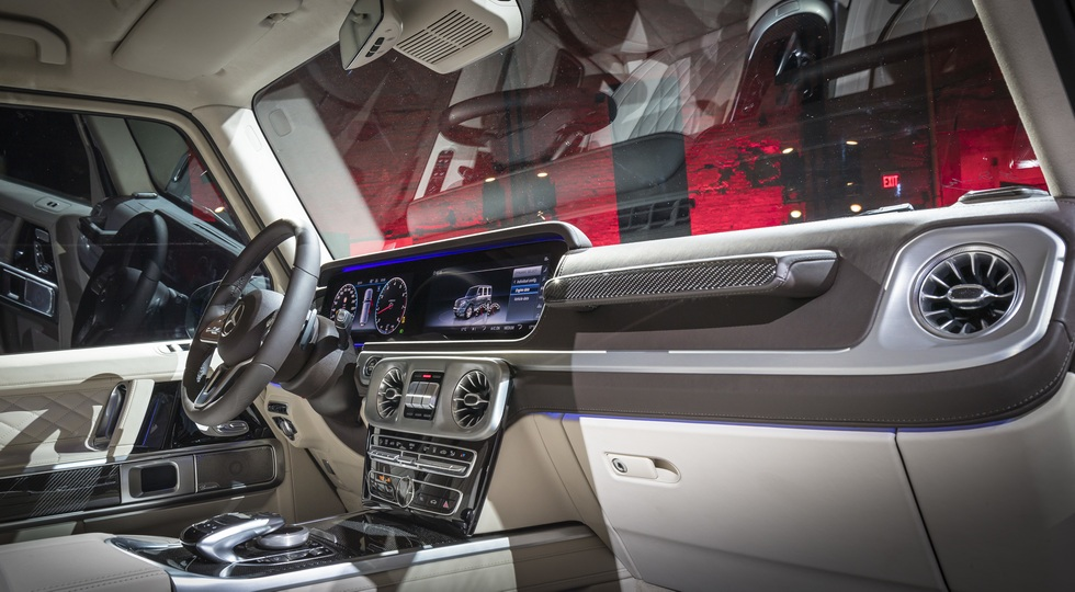 Mercedes назвала рублевые цены нового внедорожника Mercedes G-Class