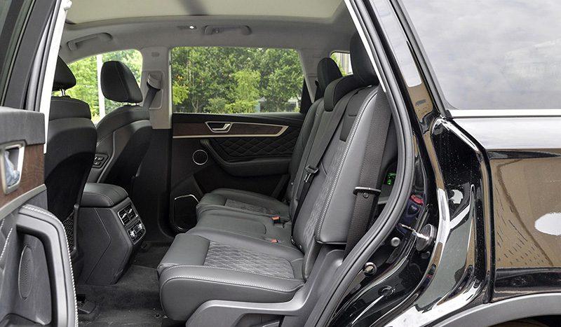 Роскошный внедорожник FAW на базе Toyota Crown добрался до дилеров