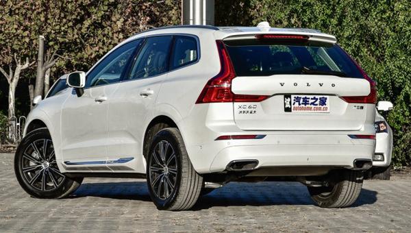 Названы цены и комплектации нового кроссовера Volvo XC60