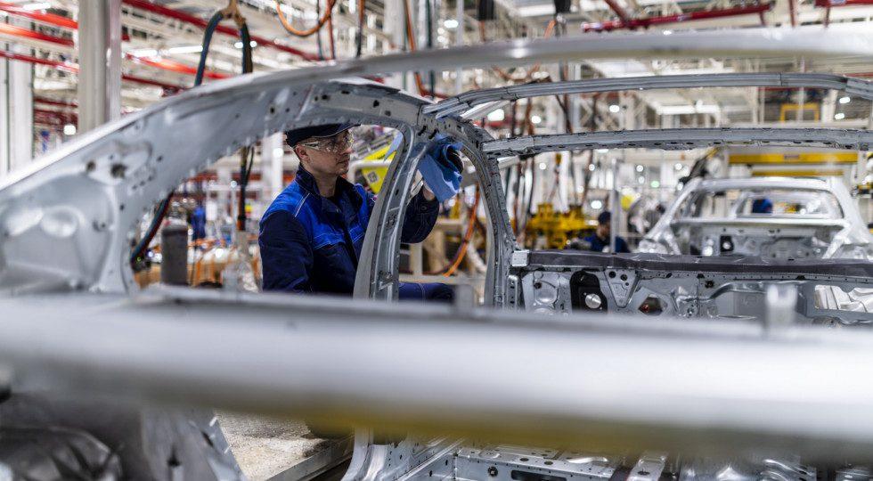 Компания Mercedes-Benz открыла автомобильный завод «Московия»