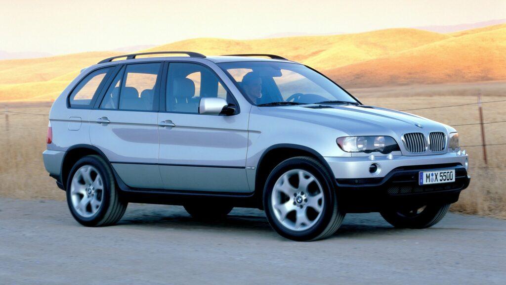 Эксперты назвали ТОП-5 легендарных автомобилей марки BMW