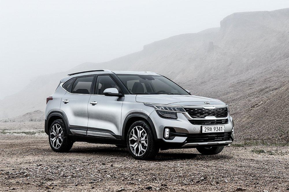Продажи автомобилей KIA снизились на 12% в июне в России