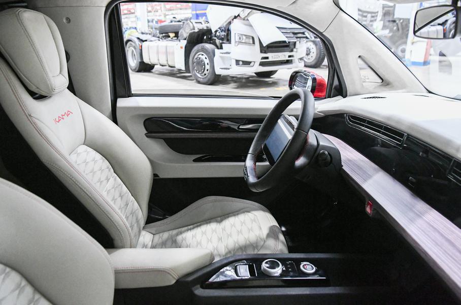 «КамАЗ» создаст седан и грузовик на базе электромобиля «Кама-1»