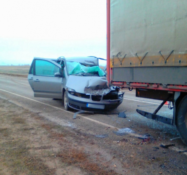 Водитель-иностранец попал в ДТП с фурой на трассе в Астрахани