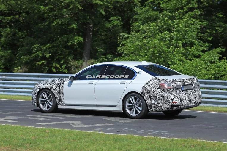 BMW вывела на тесты обновленный седан BMW 7-Series