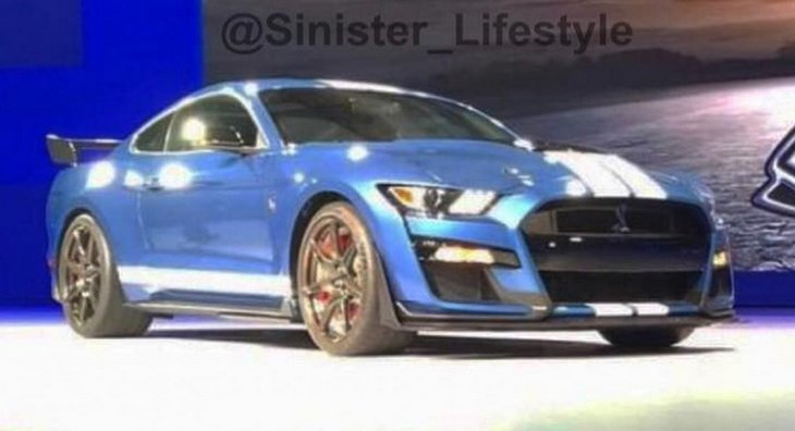 Ford представит Ford Mustang Shelby GT500 на автосалоне в Детройте