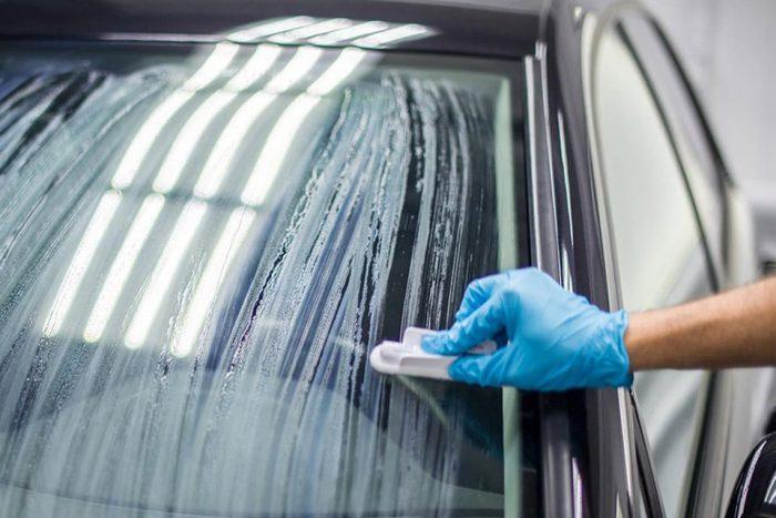 Защитное покрытие на лобовое стекло автомобиля
