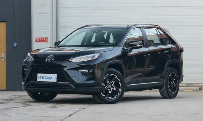 Toyota начнет принимать заказы на кроссовер Wildlander 28 февраля