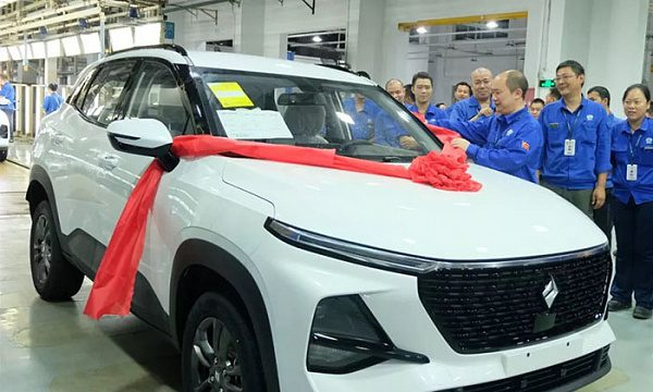 GM и SAIC отправили в производство новый кроссовер Baojun RS-3