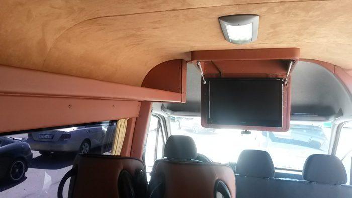 Качественное переоборудование микроавтобусов за 24 часа делает компания Автополимер