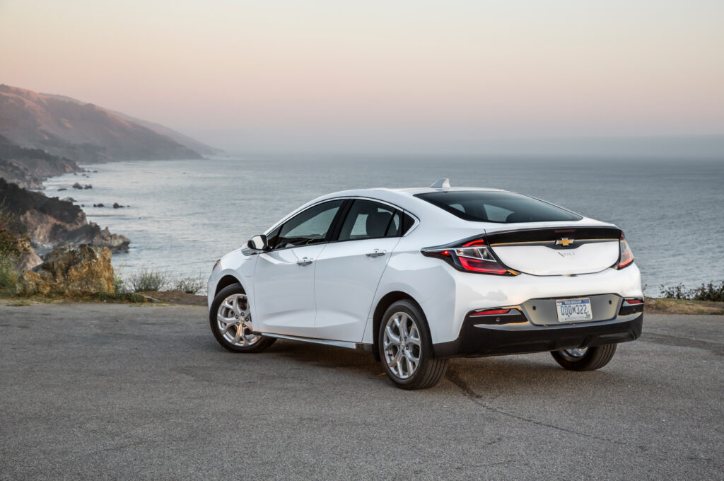 General Motors прекратит выпуск Chevrolet Volt