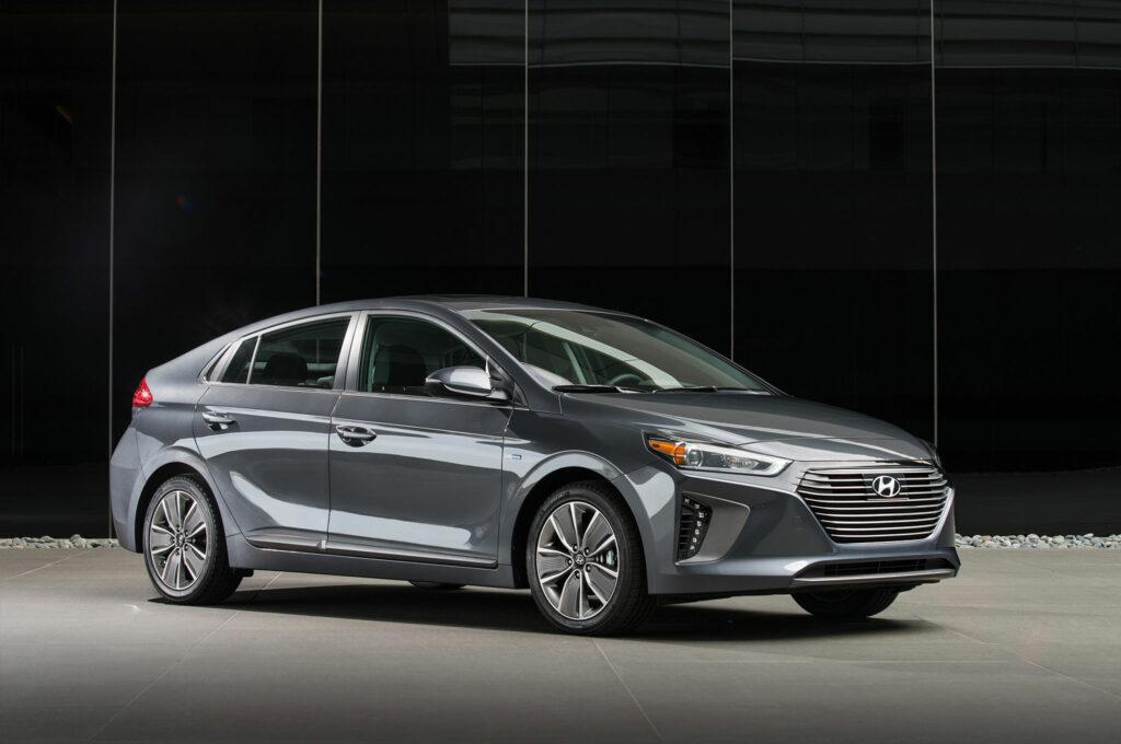 «Лучшим женским автомобилем 2017 года» признан гибридный Hyundai Ioniq