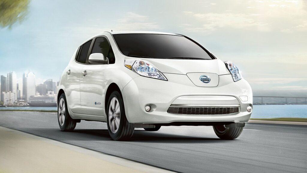 Электрокары Nissan Leaf и Nissan e-NV200 появятся в России