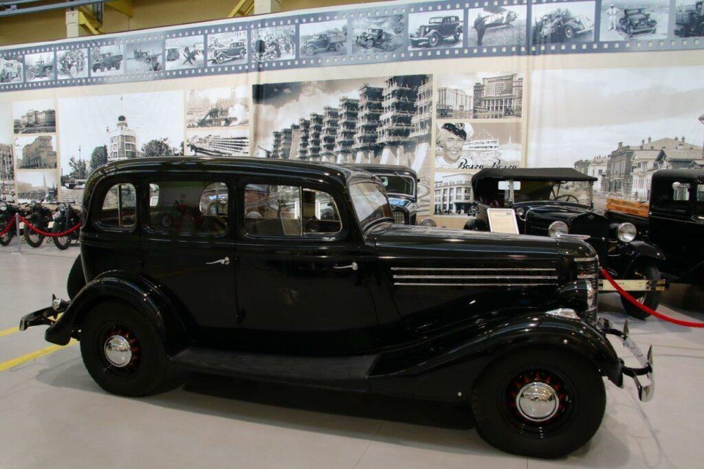 Легендарный ГАЗ-М1 с двигателем Dodge D5 появился в музее УГМК