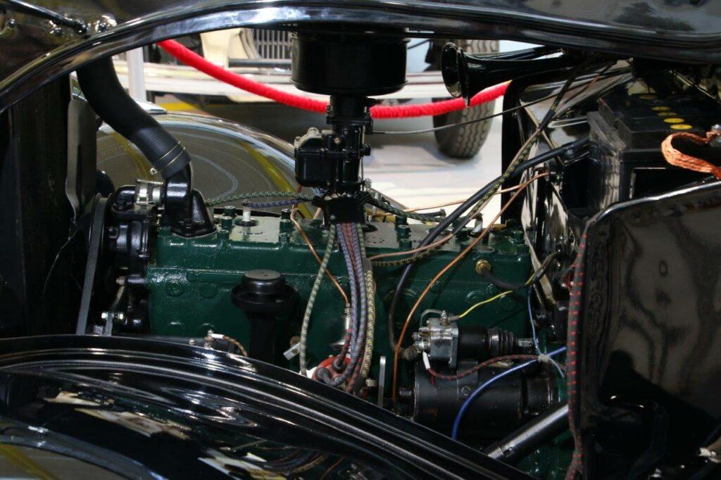 Легендарный ГАЗ-М1 сагрегатом Dodge D5 появился вмузее УГМК