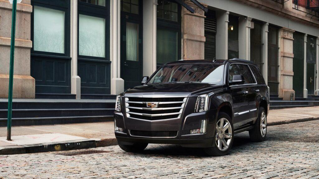 Внедорожник Escalade остается бестселлером Cadillac в РФ