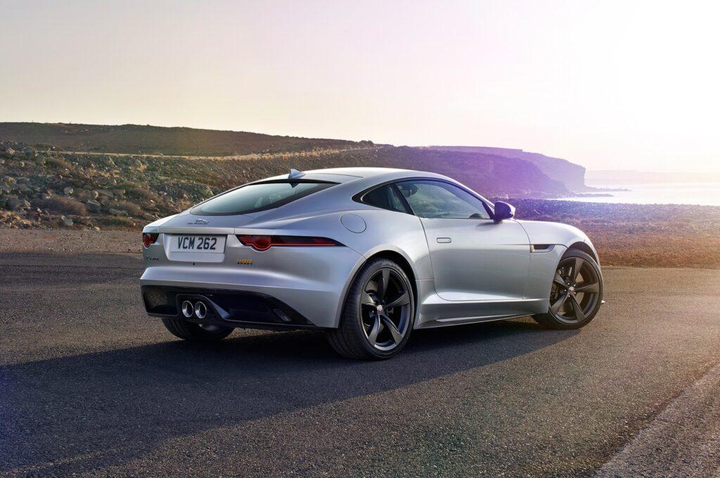 Главный дизайнер Jaguar намерен создать F-Type в кузове седан