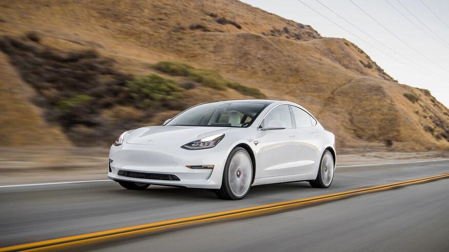 Tesla подняла запас хода и улучшила динамику Model 3