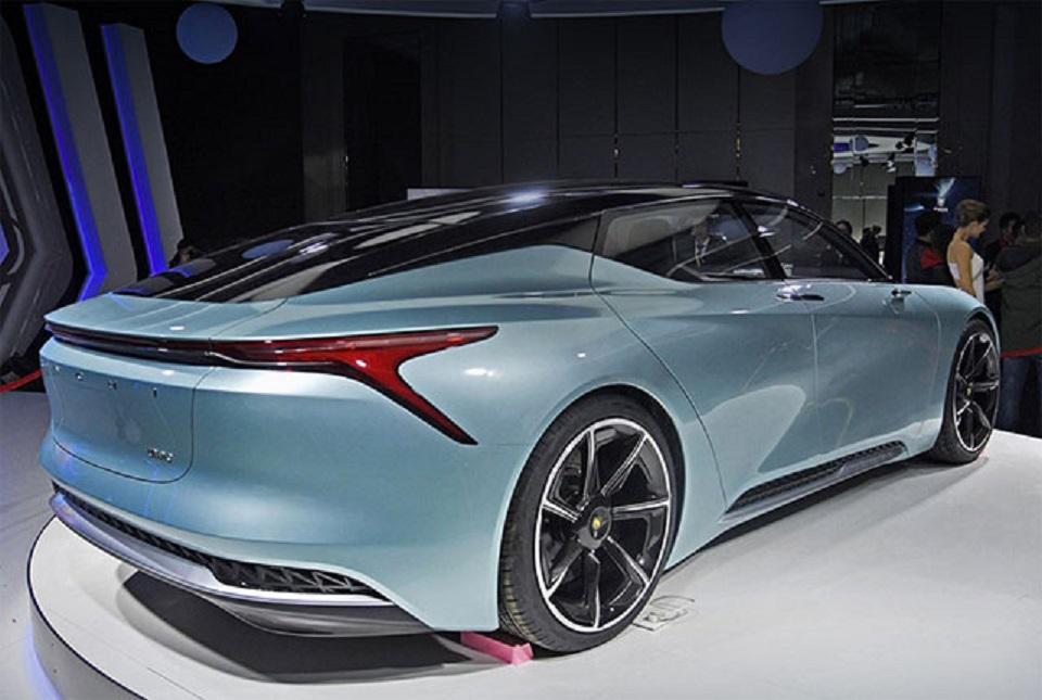 Представлен новый китайский электромобиль LvChi Urano