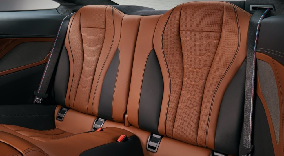BMW официально представила серийное купе BMW 8 Series