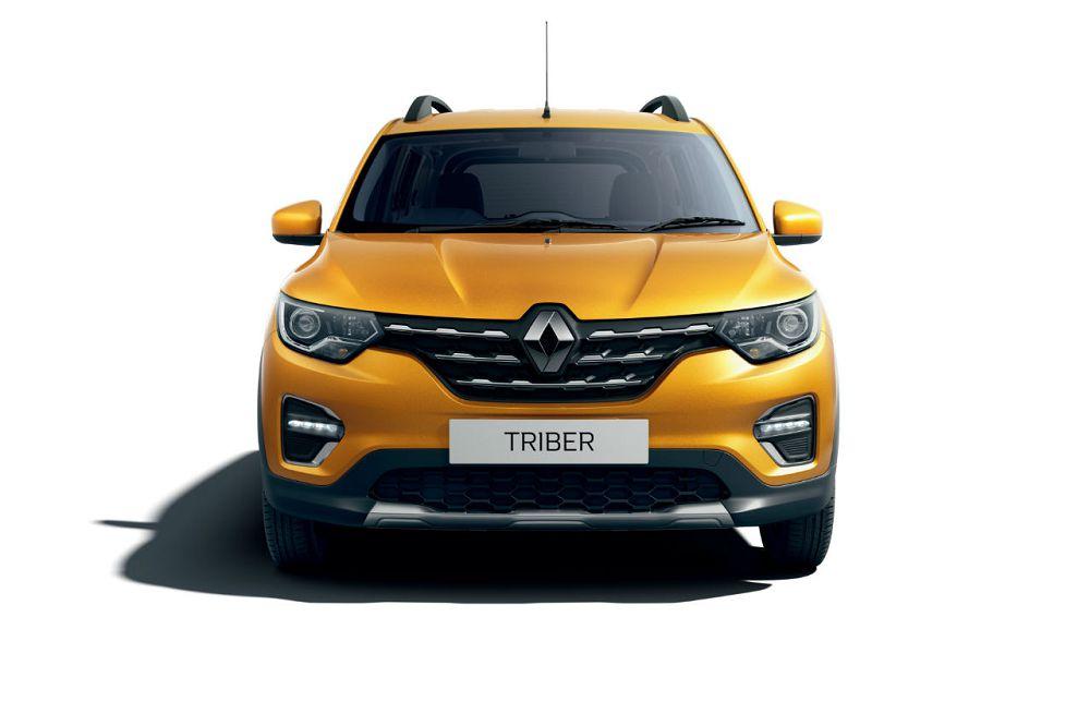 Названа стоимость нового семиместного компактвэна Renault Triber