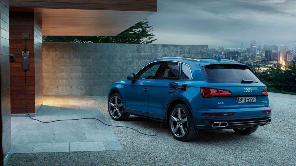 Audi Q5 получил подключаемую гибридную версию 55 TFSI e quattro
