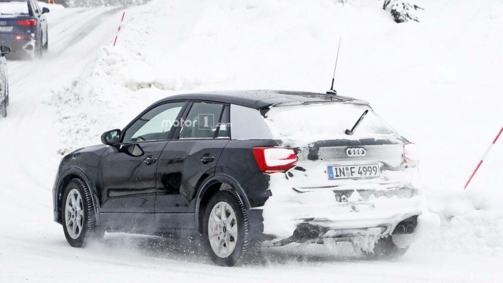 В Сети появились снимки «заряженного» Audi SQ2 без камуфляжа