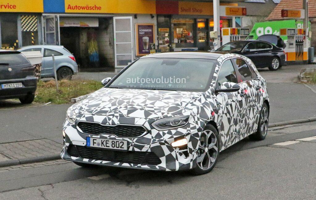 Хэтчбек Kia cee'd нового поколения замечен на тестах в серийном кузове