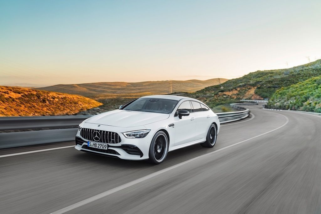 В РФ стартовали продажи нового лифтбэка Mercedes-Benz AMG GT
