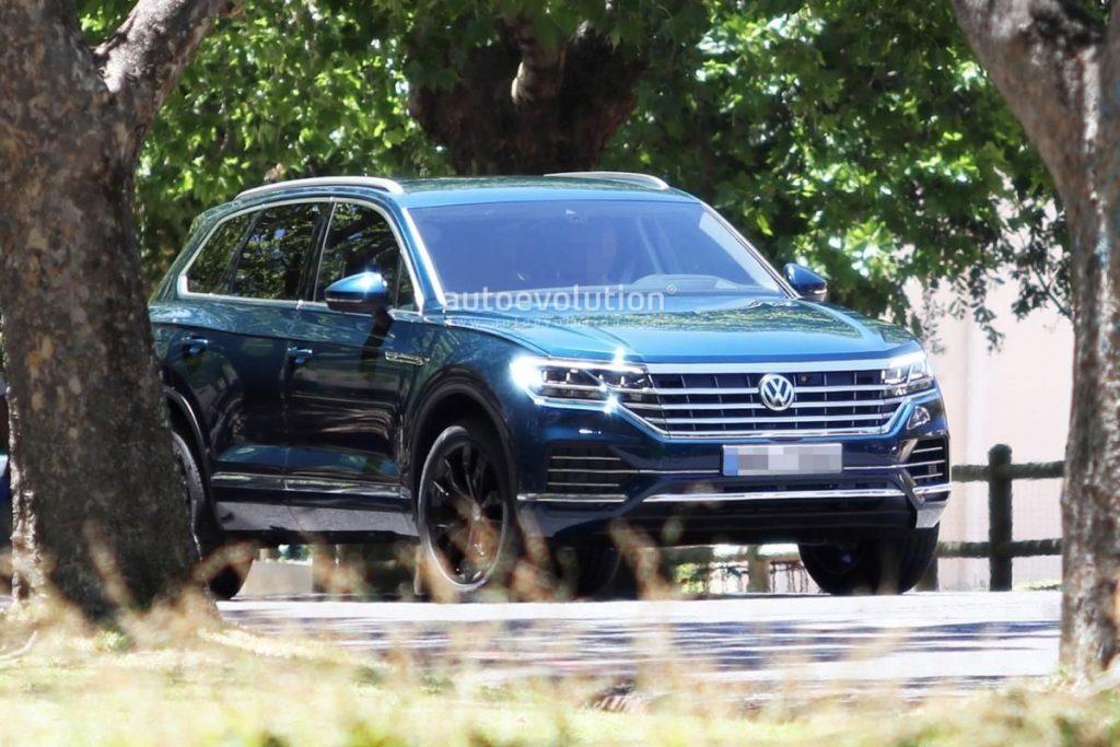 Названа дата премьеры нового кроссовера Volkswagen Touareg