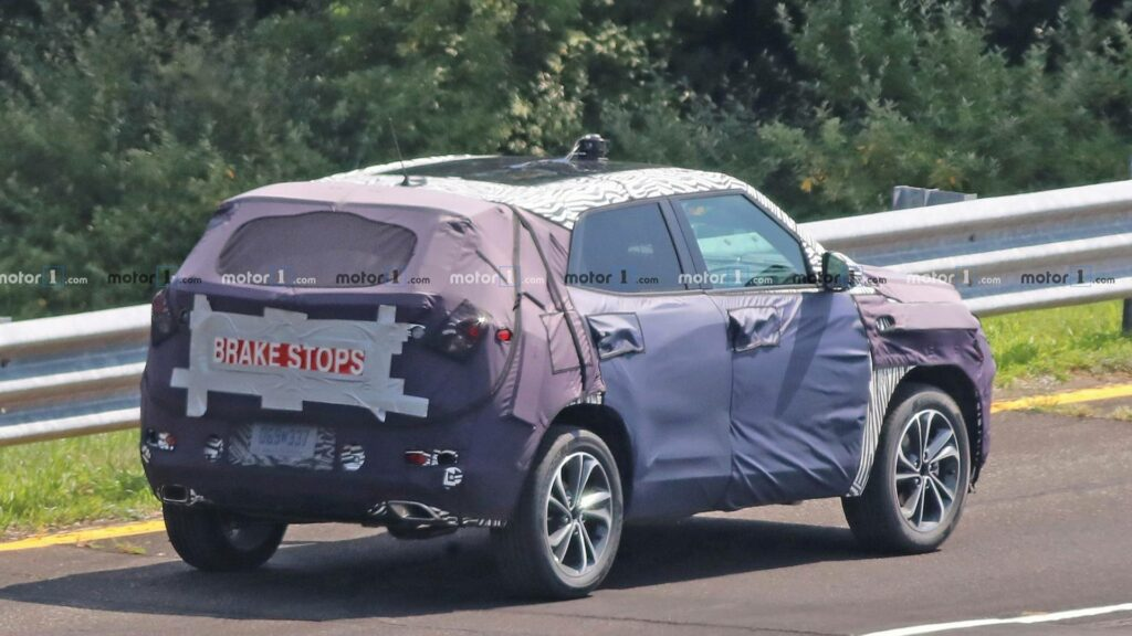 Chevrolet вывела на тесты обновленный кроссовер Chevrolet Trax