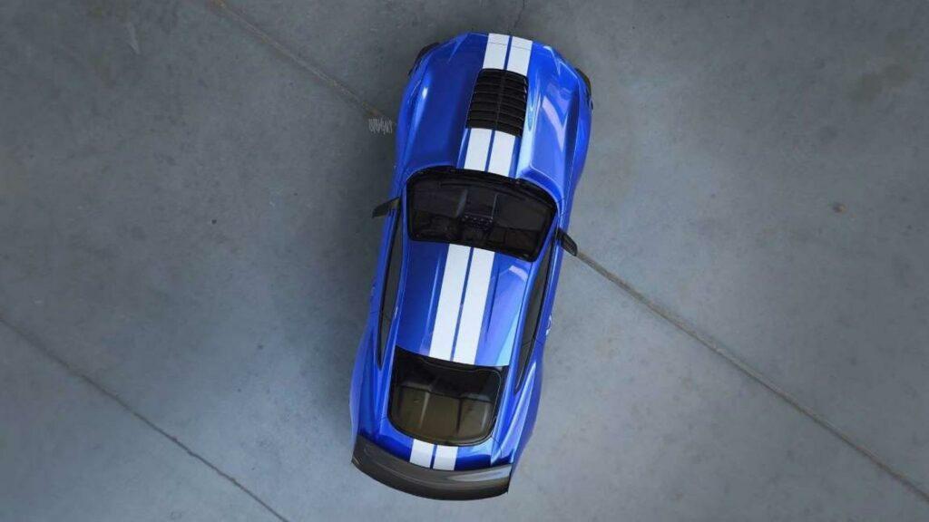 В сети появился первый тизер нового Ford Mustang Shelby GT500