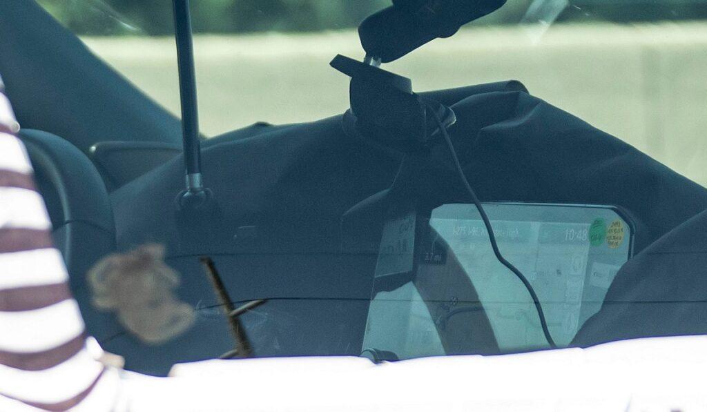 Новый Nissan Pathfinder получит большой экран в салоне