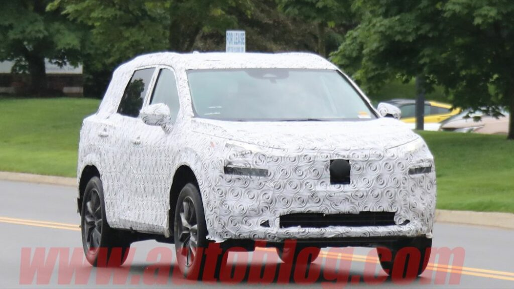 Опубликованы шпионские фотографии нового Nissan X-Trail