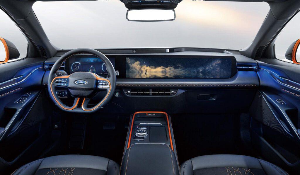 В Китае стартовало производство новейшего кросс-лифтбека Ford Evos